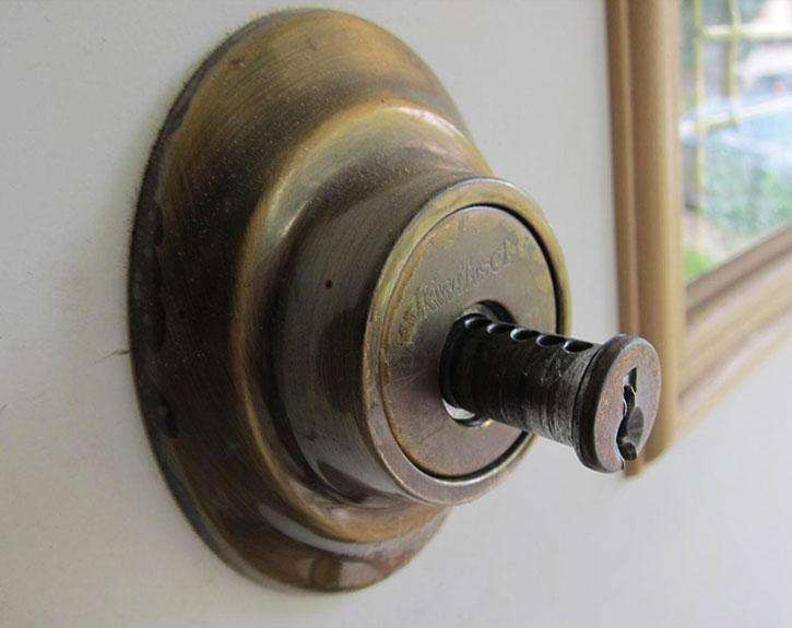 Deadbolt Door Lock Repair